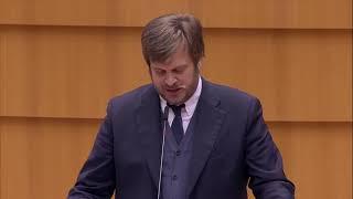 Intervento inPlenaria dell'europarlamentare del Pd Pierfrancesco Majorino sulle disastrose conseguenze umanitarie della guerra in Siria, e delle soluzioni politiche nelle quali la UE dovrebbe impegnarsi.