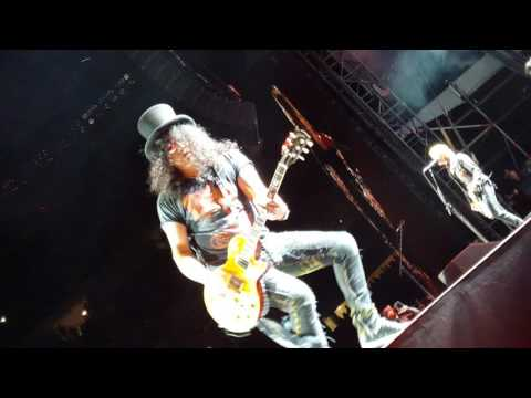 "Guns n' Roses – ""It's so easy"" -Front Row –  7/1/ 2016 – Chicago, IL"