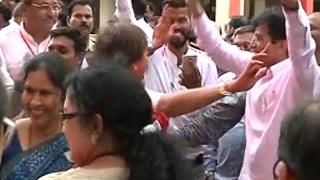 BMC Polls: Watch Kirit Somaiya dance to celebrate BJP's performance
