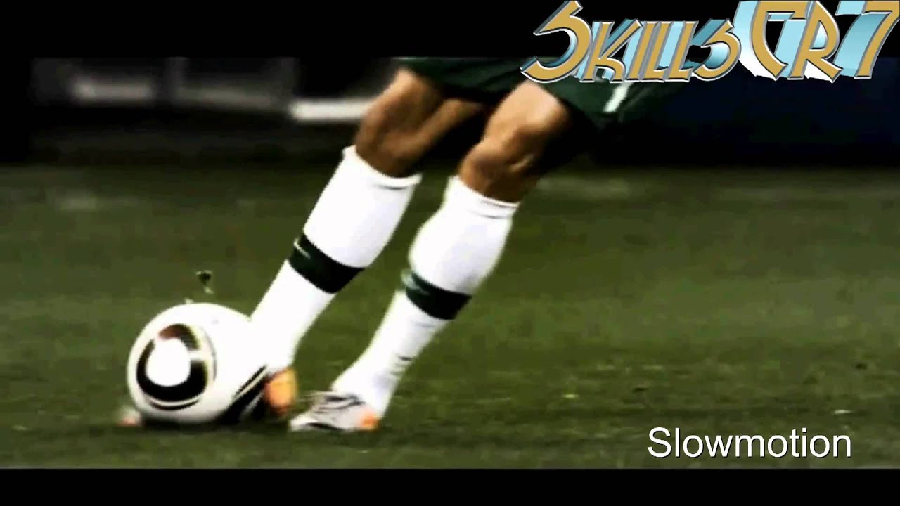 Cristiano Ronaldo • Freekick Knuckleball • Slowmotion ...