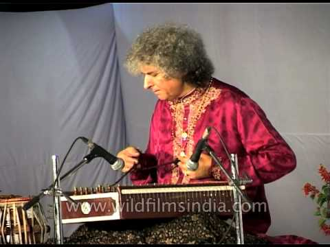 Tabla maestro Zakir Hussain and Santoor player Pandit Shiv Kumar Sharma