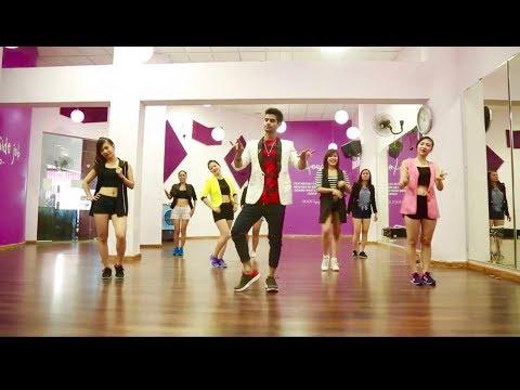 🔥 Bollywood Dance In foreign❤️ Hookah Bar Song Khiladi 786 | Akshay Kumar | Easy steps Vietnam