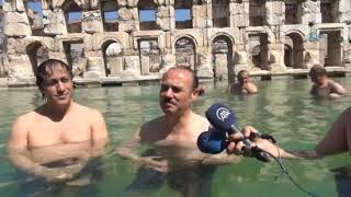 Yozgat Valisi'nin 2 Bin Yıllık Tarihi Roma Hamamı'nda Yüzme Keyfi