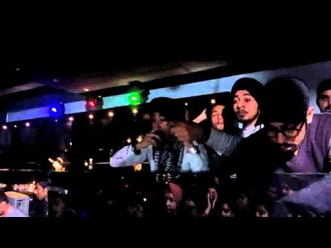 Live performance by D-Harsh & Deep Singh!