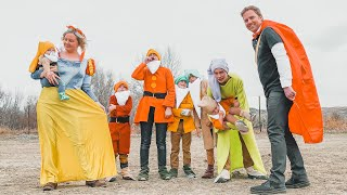 SNOW WHITE AND THE 7 DWARFS IN REAL LIFE!