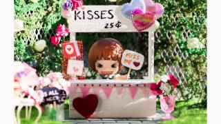 DIY Miniature Kissing Booth Tutorial for Valentine's Day | Nendoroid, LPS, Dolls