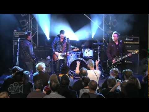International Swingers - Out Of Control (Twenty Flight Rockers) (Live in Sydney) | Moshcam from YouTube · Duration:  3 minutes 32 seconds