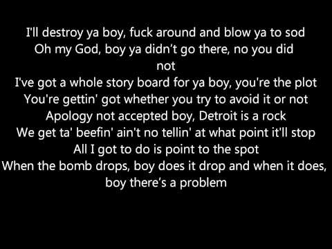 Eminem - Drop the Bomb On 'Em (with lyrics)