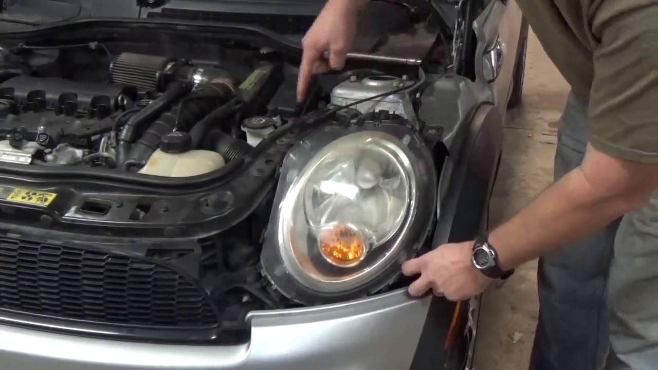 2007 mini cooper s timing chain replacement part 1 youtube rh youtube com Mini Cooper Belt Replacement 2005 Mini Cooper Serpentine Belt Replace