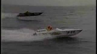 Fountain powerboats vs Pantera 28 offshore powerboat racing