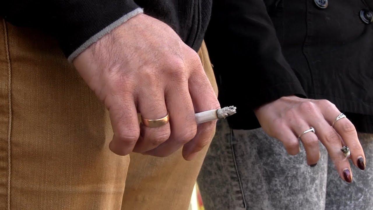 szívfájás dohányzás közben)