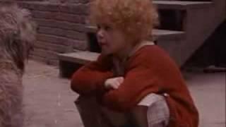 Annie (1982) - Dumb Dog