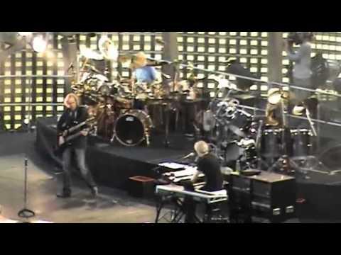 Genesis Live in Paris 2007