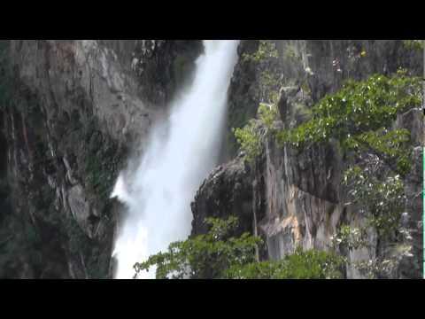 2014 05 02 Sao Jorge, Goias, Brazil   Chapada dos Veadeiros Trail & 120m & 80m Falls