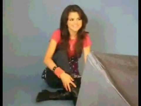 Selena Gomez Sings Miley Cyrus-Rockstar