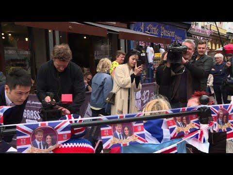 La presse mondiale se presse à Windsor avant le mariage royal