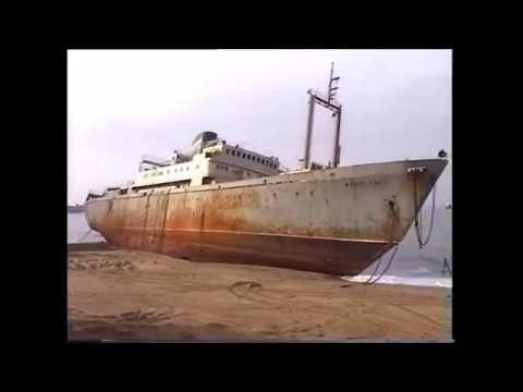 navire russe ''Frans Hals'' echoué a Biarritz en novembre 1996