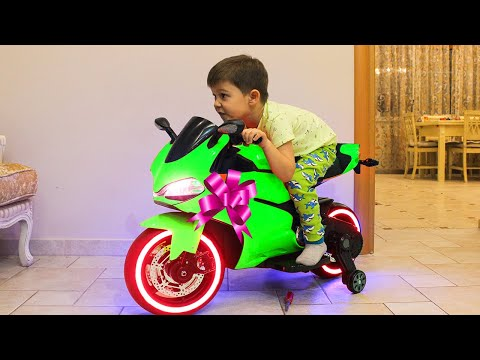Tema ride on Sportbike Power Wheels and Surprise toys Unboxing