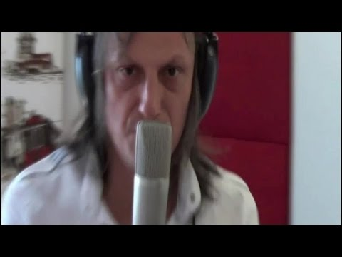 Ahmet Güven - Ahmet Güven - Yol Yakınken Vazgeç (Official Video)