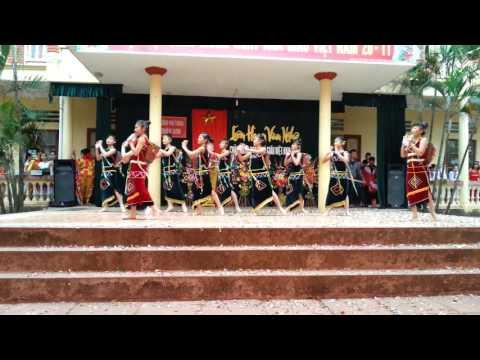 Hát múa Cô Giáo em là hoa Eban 10D12 Phổ thông Triệu Sơn