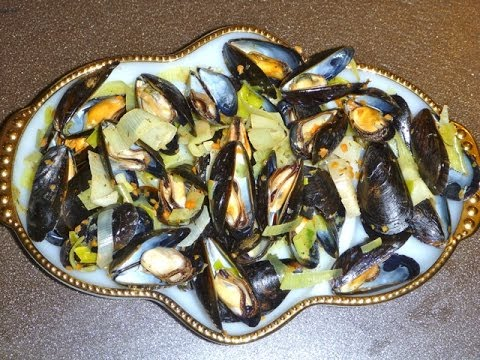 Feast of the Seven Fishes On Christmas Eve - Mediterranean Mussels ...