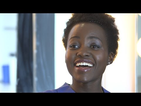 7 Secrets: Lupita Nyong'o's Star Wars Souvenir + More!