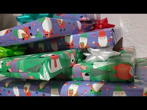 Wrapping Christmas Presents 2019 YEET from YouTube · Duration:  8 minutes 54 seconds