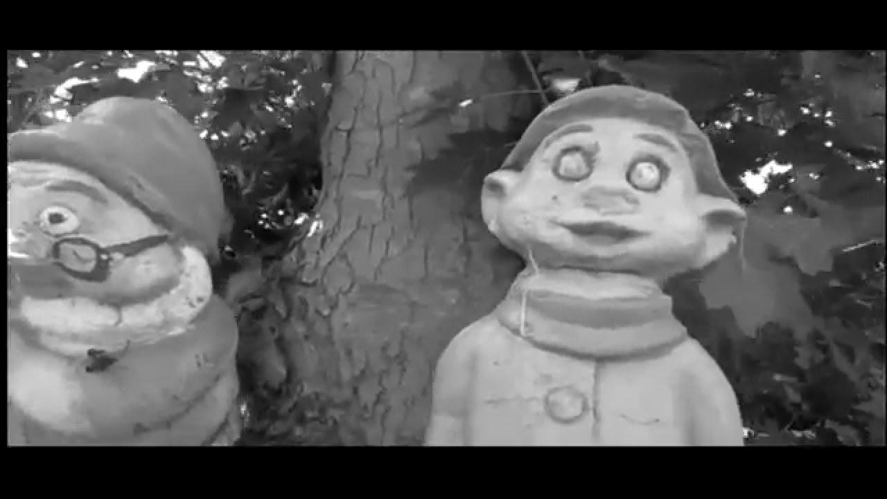 La vendetta dei nani da giardino youtube for La storia dei nani da giardino