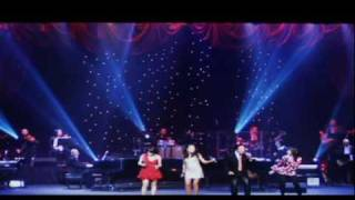 "Opening Scene ""Lang Le Tieng Duong Cam"" (uncut version)"