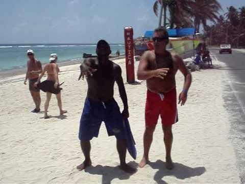 Ricardo Fort en las playas de San Andres
