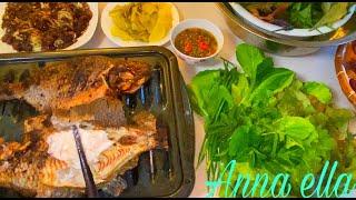 Bí quyết nướng cá bằng lò thơm lừng thịt béo ngọt . Ăn cùng rau nhà trồng .