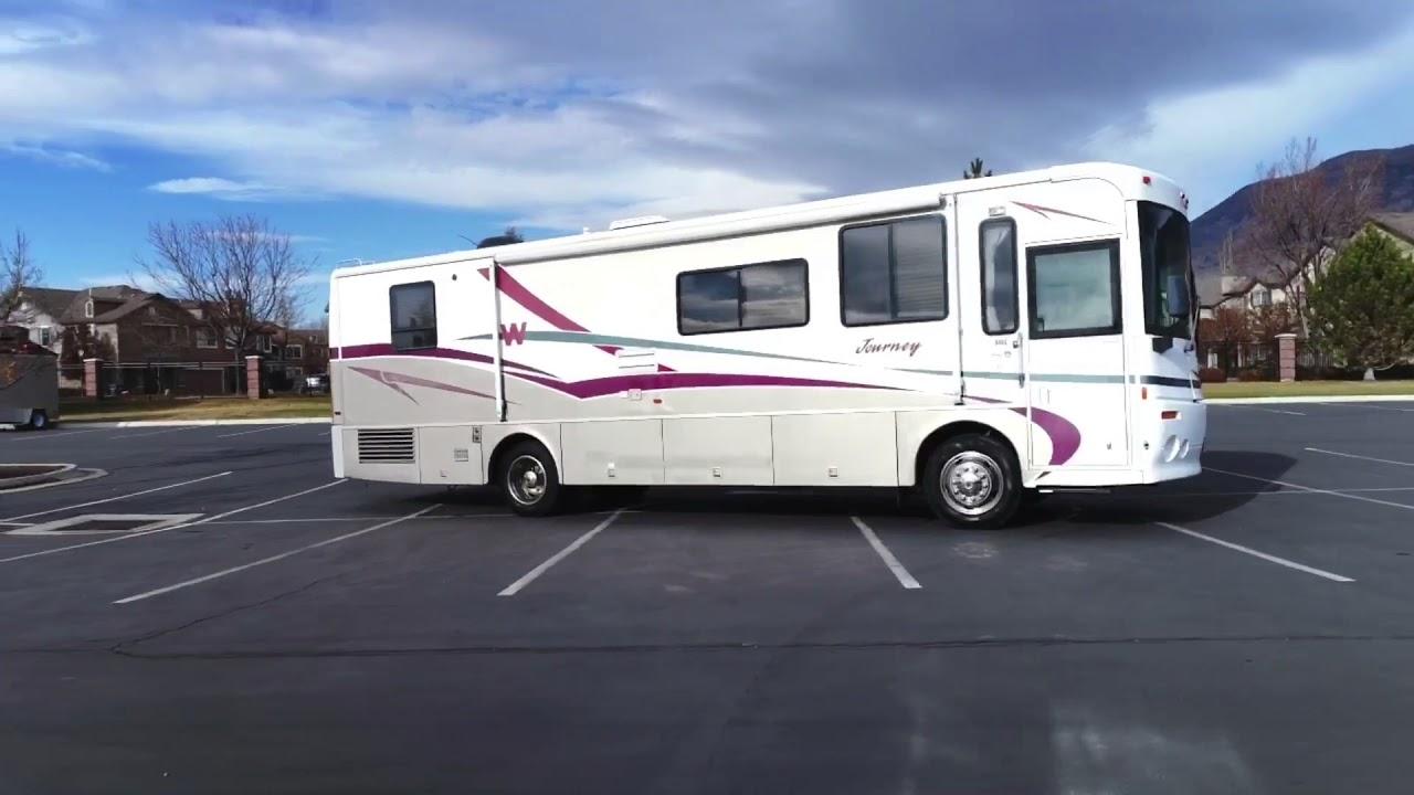 2000 Winnebago Journey Model 34B