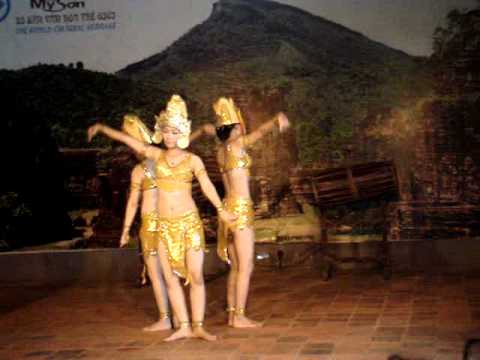 My Son  central Vietnam apsara dance by cham tribe, May 2011