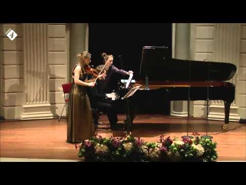 "Yuri van Nieuwkerk & Rosanne Philippens - ""Motion Games"" (Thomas Beijer)"
