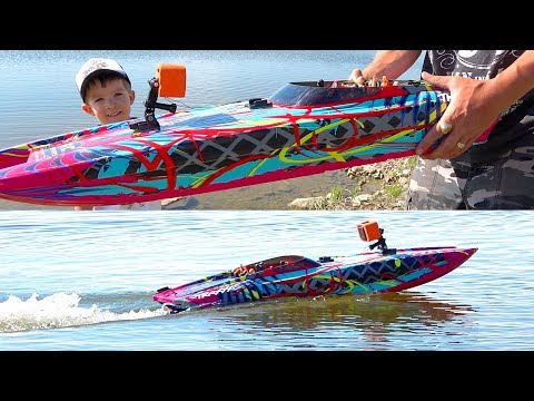 HYDROPLANiNG a HiGH-SPEED CATAMARAN! Playing w/ a Radio Control Traxxas M41 BOAT | RC ADVENTURES