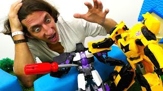Машинки раскопали Мегатрона! Видео с игрушками Трансформеры.