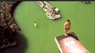 Ударился головой о трамплин и упал с высоты 27 метров