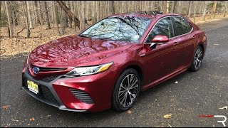2018 Toyota Camry Hybrid SE – A 52 MPG Daily Driver That's Fun?!