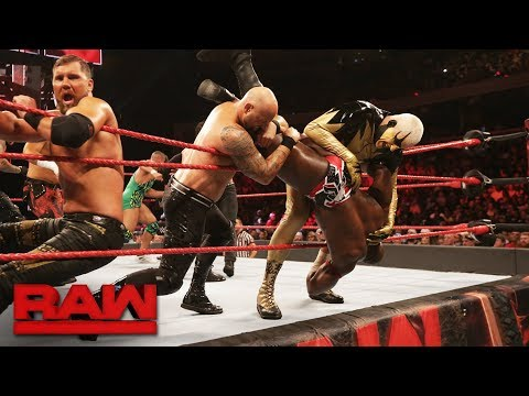 15-Man Battle Royal - Winner Faces The Miz for the Intercontinental Title: Raw, Aug. 28, 2017