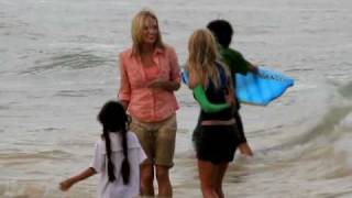 """AnnaSophia Robb with Carrie Underwood filming the movie """"Soul Surfer"""" in Hawaii"""