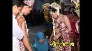 Upacara Panggih, Temu Manten, adat Jawa Surakarta
