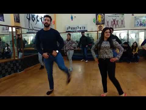 Wedding choreography on chal pyar karegi song by vibrations dance academy 9888218207