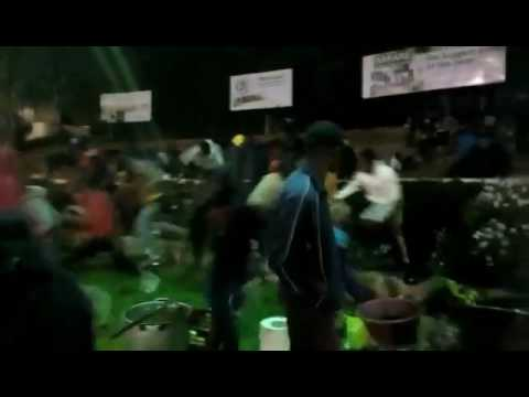 FANS RUNNING FOR KINNAH AT BUSY SIGNAL SHOW 2017