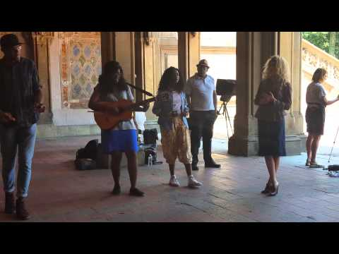 Tori Kelly sings Oceans by Hillsong (with Infinity's Song)