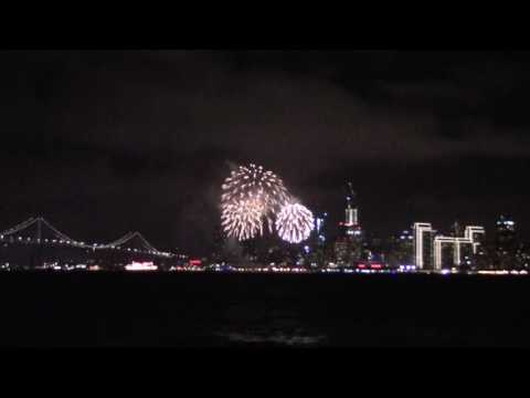 New Year fireworks in San Francisco | View from Treasure Island
