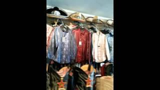 Laberinto western Wear en Chicago illinois. Cintos piteados de pita fina hilo de plata a buen precio