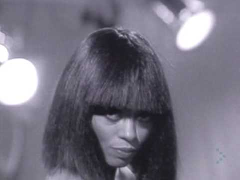 Download Diana Ross - Chain Reaction (Official Video)