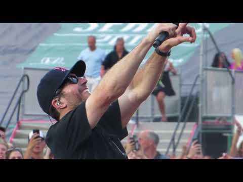 Sam Hunt singing House Party in Concert at Fenway Park 7/6/18