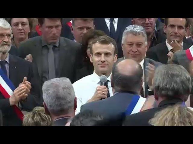 <span class='as_h2'><a href='https://webtv.eklogika.gr/gallia-kitrina-gileka-en-meso-ethnikoy-dialogoy' target='_blank' title='Γαλλία: Κίτρινα Γιλέκα εν μέσω εθνικού διαλόγου'>Γαλλία: Κίτρινα Γιλέκα εν μέσω εθνικού διαλόγου</a></span>