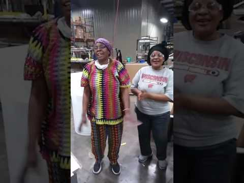 Congo woman singing Swahili(1)